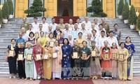 Vice President Dang Thi Ngoc Thinh receives revolutionary delegation from Dong Nai