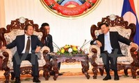 Lao PM suggests Vietnam, Laos cooperating in cyber security