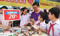Ha Noi Book Festival 2016 opens space for families