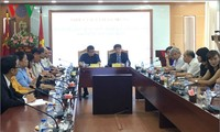 Voice of Vietnam leaders receive Laotian journalist delegation