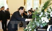 President Tran Dai Quang pays tribute to late Thai King