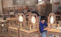 Visiting Hai Minh carpentry village