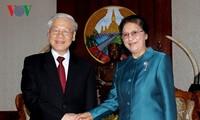 Party leader Nguyen Phu Trong meets Laos top legislator
