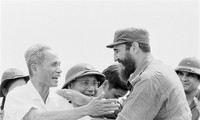 Cuba's revolutionary legend Fidel Castro in Vietnam during American war