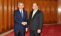 Vietnam and Laos share experience in environmental protection