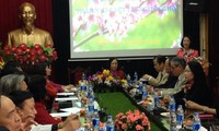 Head of the Mass Mobilization Commission pays Tet visit to Elderly Association
