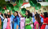 Festival promotes Ao Dai charm