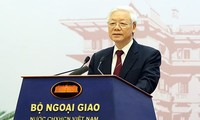 Vietnam consistantly pursues comprehensive, creative diplomacy