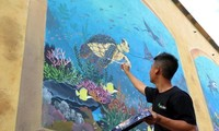 Mural paintings on marine environment protection reviewed