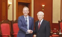Vietnam wants to step up cooperation ties with UK: Party chief