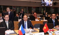 PM Nguyen Xuan Phuc attends ASEM 12