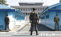 Two Koreas demolish DMZ guard posts