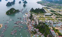 Tourists to Quang Ninh increase 30% during New Year holiday