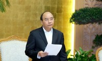PM Nguyen Xuan Phuc directs more efficient meetings with citizens