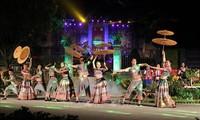 Tourists flock to Lim Festival, Bac Ha's White Plateau Spring Festival