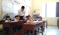 Volunteer teachers on Sinh Ton island