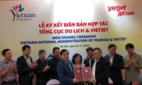 Vietjet Air, VNAT sign MoU on tourism promotion