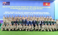 Vietnamese, Australian PMs visit level-2 field hospital