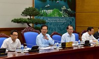 Le PM Nguyen Tan Dung travaille avec le ministère des Finances