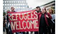 Migrants, réfugiés: des manifestations contrastées en Europe