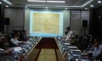 Consulter les scientifiques sur la maison d'exposition sur Hoàng Sa