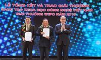 Remise des prix technico-scientifiques du Vietnam en 2015