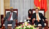 Quelles relations diplomatiques le Vietnam entretient-il avec le Soudan et le Soudan du Sud?