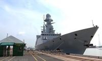 Y a-t-il  des visites de navires militaires français au Vietnam?