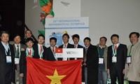 Rombongan pelajar Vietnam menghadiri Olympiade Matematika Internasional.