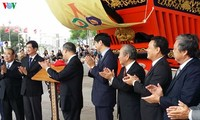 APEC 2017: Kota Hoi An menerima maket kapal segel merah yang dihadiahkan oleh Jepang