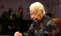 Nenek Hoang Thi Minh Ho, borjuis seorang  patriotik yang berkaitan dengan nasib nasional