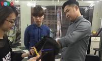 Vitalitas Nguyen Thai Thanh, sorang tuna rungu generasi 90-an-pemilik toko pemangkas rambut