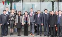 Ketua MN Nguyen Thi Kim Ngan mengunjungi Pusat Pertanian Teknologi di Belanda