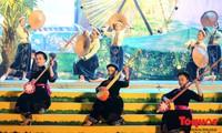 Nguyen Thai Hoc- Artisan nyanyian lagu Then