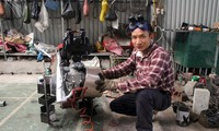 Saudara Ta Dinh Huy menciptakan mesin pertanian multifungsi untuk kaum tani