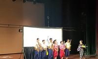 Wayang kulit Kamboja-menyampaikan kesenian dan pesan dari hal-hal yang sederhana
