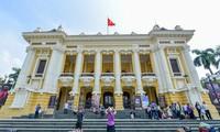 Paket wisata  Gedung Teater Besar Ha Noi: membangun produk budaya untuk melayani wisatawan