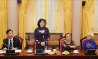 Wakil Presiden Dang Thi Ngoc Thinh melakukan pertemuan dengan rombongan orang yang berjasa dari Provinsi An Giang