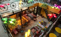 Hidden Gem Coffe-Ruang yang unik dari benda-benda daur ulang
