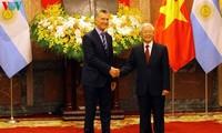 Presiden Republik Argentina, Mauricio Macri dan istri melakukan kunjungan kenegaraan di Viet Nam