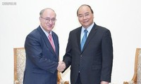 PM Nguyen Xuan Phuc menerima Ketua Organisasi Pemberian Bantuan Universitas Dunia dari Jerman