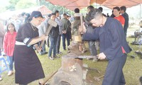 Kejuruan tukang besi dari warga etnis minoritas Nung An di Provinsi Cao Bang