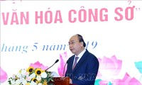 PM Nguyen Xuan Phuc menghadiri acara mencanangkan gerakan kompeitisi melaksanakan budaya kantor