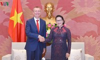 Ketua MN Nguyen Thi Kim Ngan menerima Menlu Latvia, Edgar Rinkevics