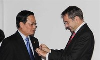 Vietnamese academics awarded France's Order of Academic Palms