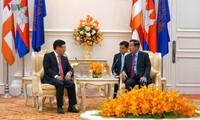ທ່ານຮອງນາຍົກລັດຖະມົນຕີ, ລັດຖະມົນຕີກະຊວງການຕ່າງປະເທດຫວຽດນາມຟ້າມບິ່ງມິງເຂົ້າຢ້ຽມຂ່ຳນັບທ່ານນາຍົກລັດຖະມົນຕີກຳປູເຈຍ Hun Sen