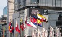 Los diplomáticos de la Asean enarbolan la bandera de la solidaridad