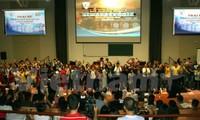 Jóvenes vietnamitas en Europa dirigen su mirada hacia la Patria