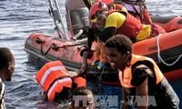 España rescata a cientos de migrantes en el Mediterráneo