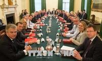 Reino Unido idea un tercer modelo de relación comercial con UE